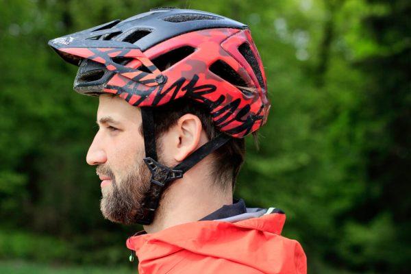 sitzt der Helm richtig