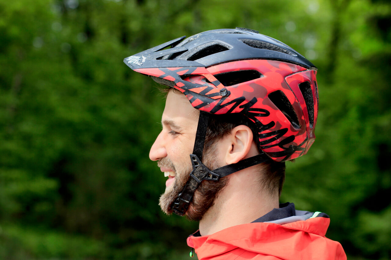 Mountainbike_Helm_Kauf_beachtem_Sitz_Rock-my-Trail_Mountainbikeschule-12