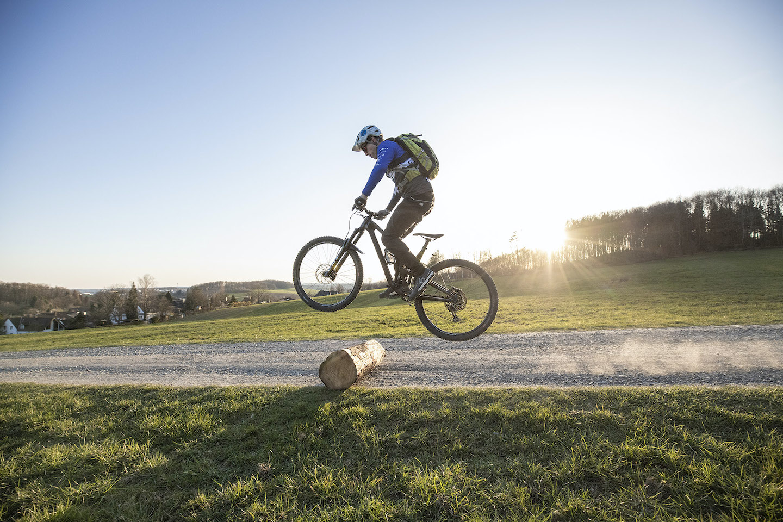 Fahrtechnik Experten Kurs Nürnberg Bunny Hop Rock my Trail Bikeschule