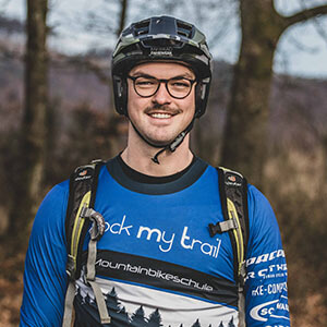 Rock my Trail Bikeschule Fahrtechnik Trainer_ Laurin Bettermann