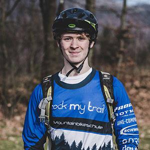 Rock my Trail Bikeschule Fahrtechnik Trainer_ Lukas Groth