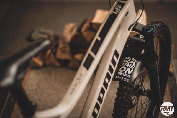 TRAILGUARD MUeTZE 9 - Rock my Trail Bikeschule