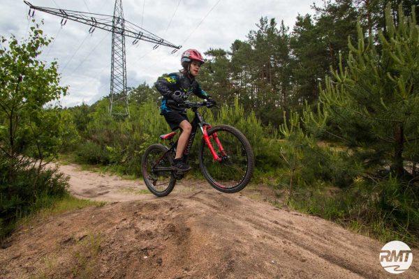 Gutschein für Mountainbike Kinder Kurs - Rock my Trail Bikeschule Fahrtechnik 8-12 Jahre