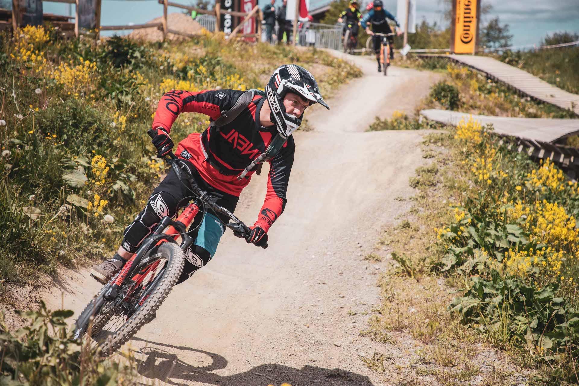 Bikepark Basics+ Fahrtechnik Kurs in Osternohe - Fahrtechnik Training Rock my Trail Bikeschule