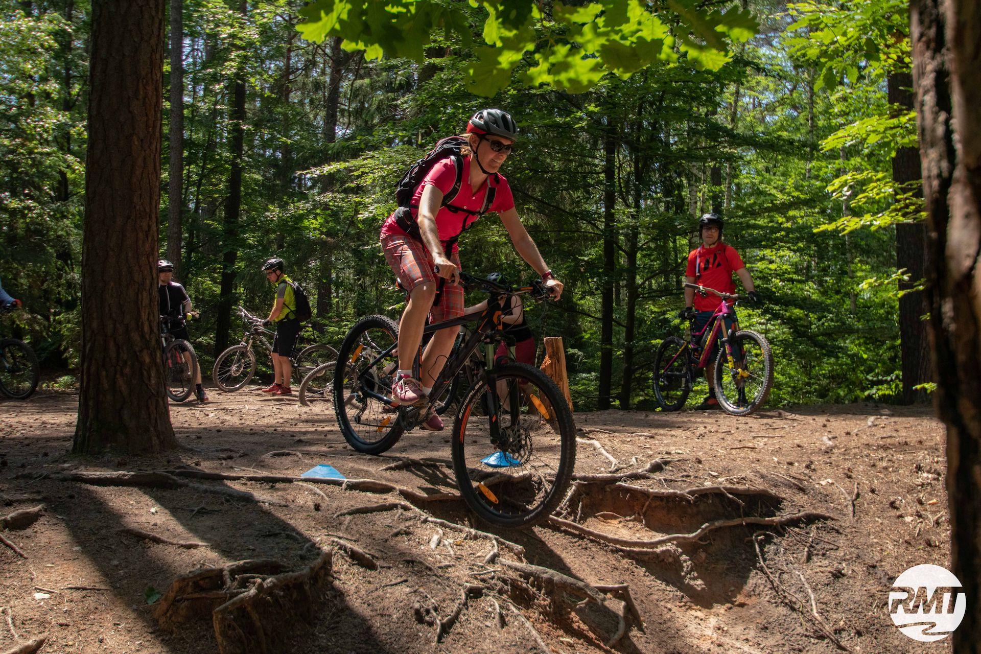 Bikepark Winterberg Fahrtechnik Starter Kurs Anfänger Beginner Einsteiger Grundlagen Rock my Trail Bikeschule Slider
