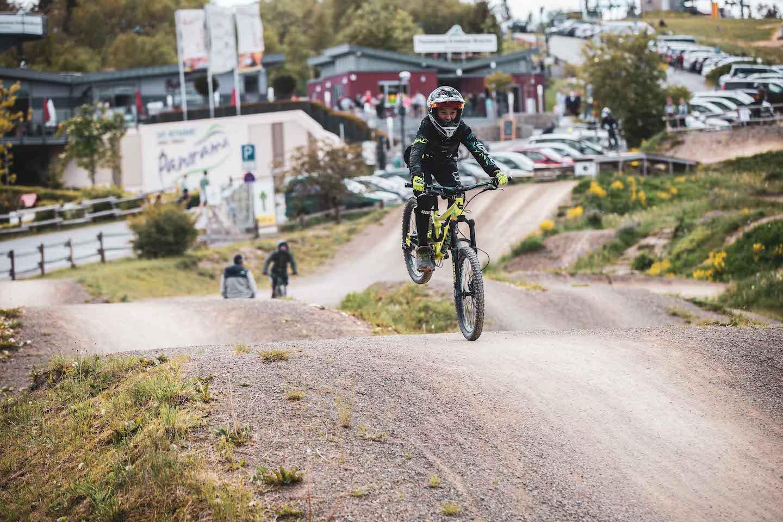 Bikepark Winterberg Kinder Kurs Fahrtechnik Basic Training 8-12 Jahre - Rock my Trail Bikeschule 20
