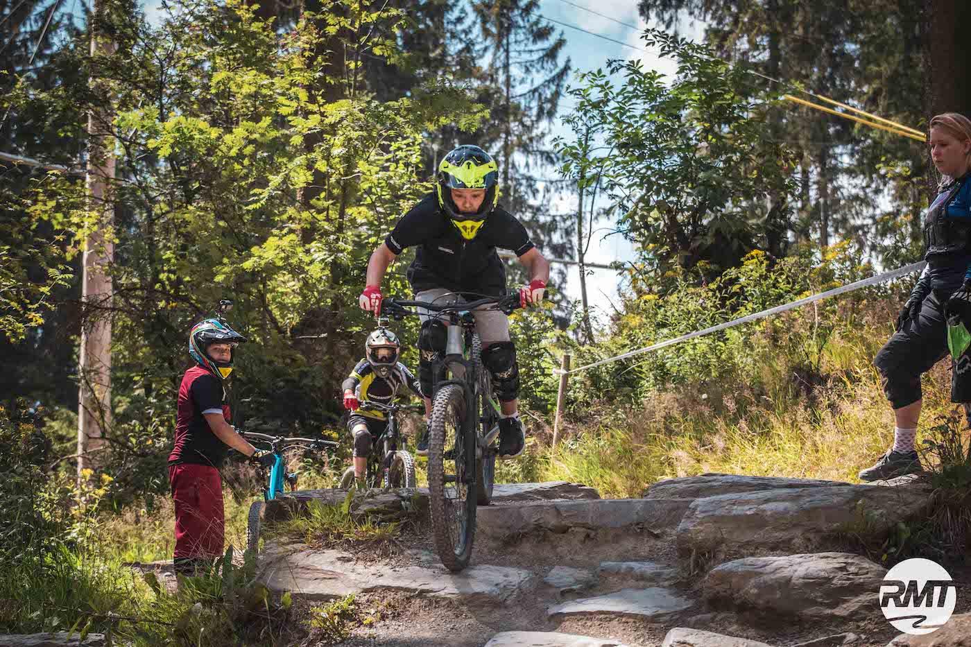 Gutschein Bikepark Kinder Kurse Training Rock my Trail Bikeschule Geschenk Geburtstag Weihnachten Kinder