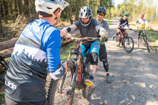 Gutschein fuer MTB Kurse Sprung Fahrtechnik Training Rock my Trail 4 - Rock my Trail Bikeschule