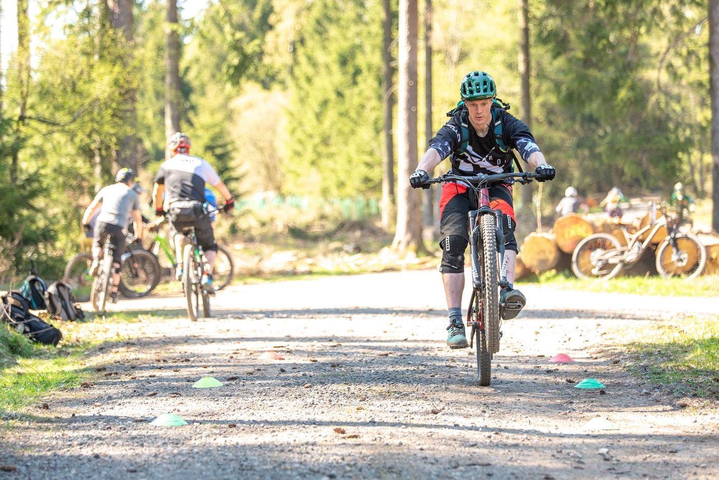 MTB Fahrtechnik Kurs Fortgeschrittene in Frankfurt  Taunus - Mountainbike Fortgeschritten - Rock my Trail Bikeschule