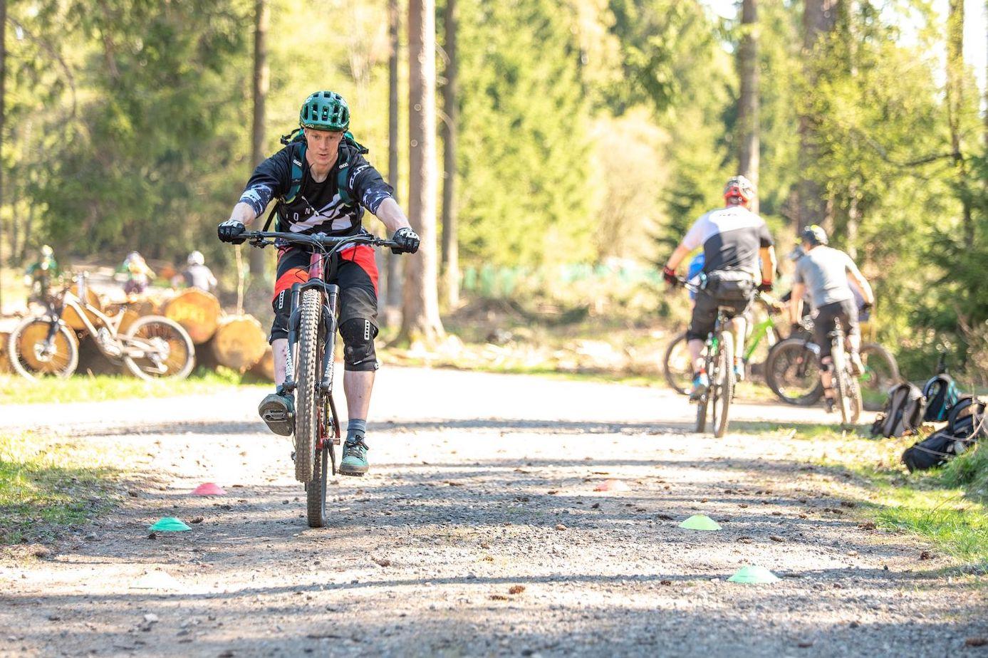MTB Fahrtechnik Kurs Fortgeschrittene in München - Mountainbike Fortgeschritten - Rock my Trail Bikeschule