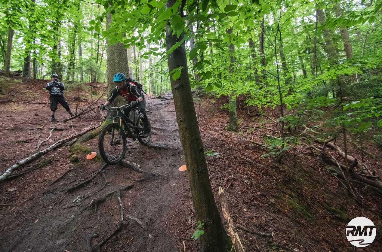 MTB Fahrtechnik Kurs Fortgeschrittene in Stuttgart  Esslingen - Mountainbike Fortgeschritten - Rock my Trail Bikeschule - 10
