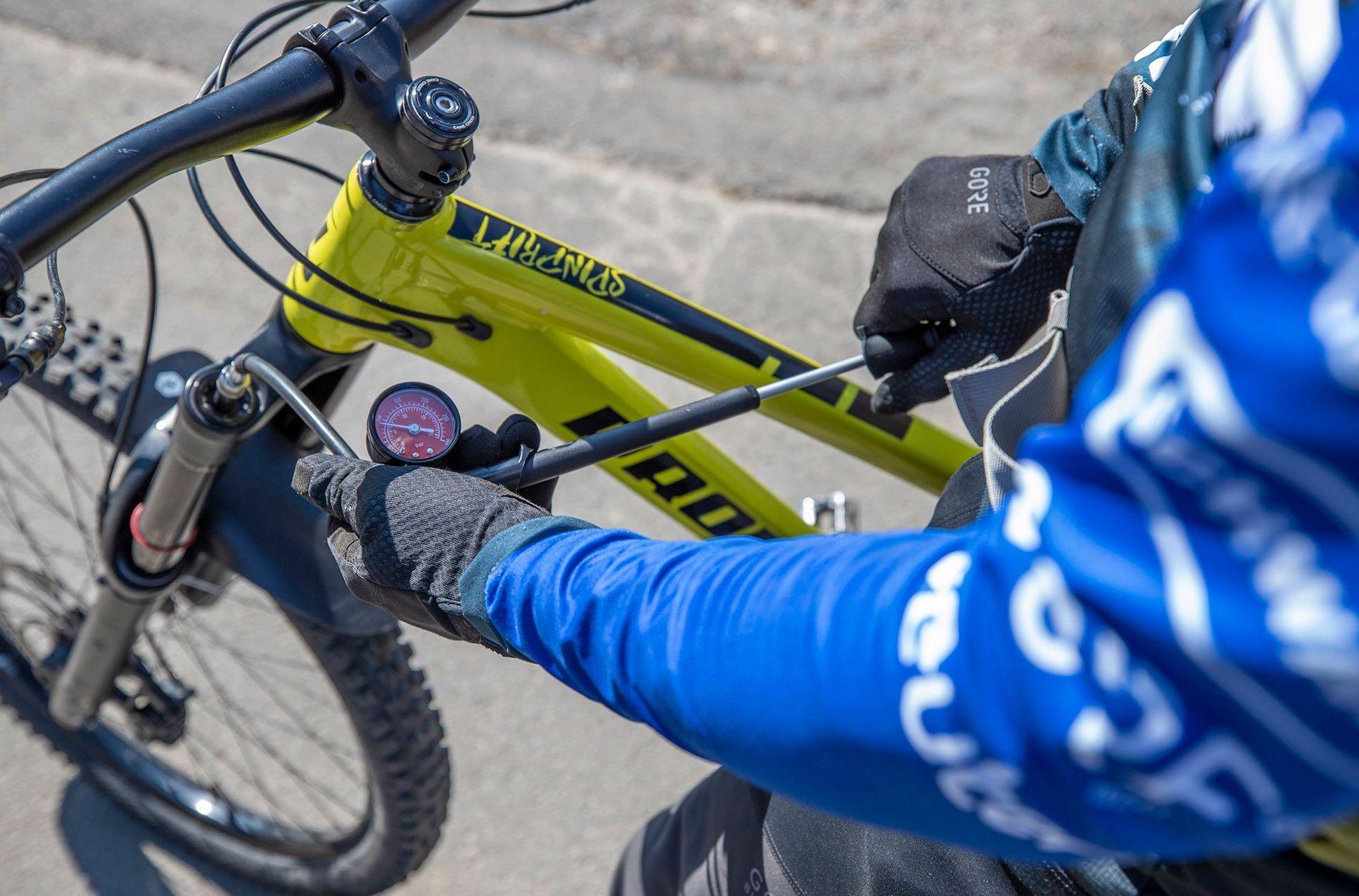 MTB Fahrtechnik Kurs Fortgeschrittene in Stuttgart  Esslingen - Mountainbike Fortgeschritten - Rock my Trail Bikeschule - 11