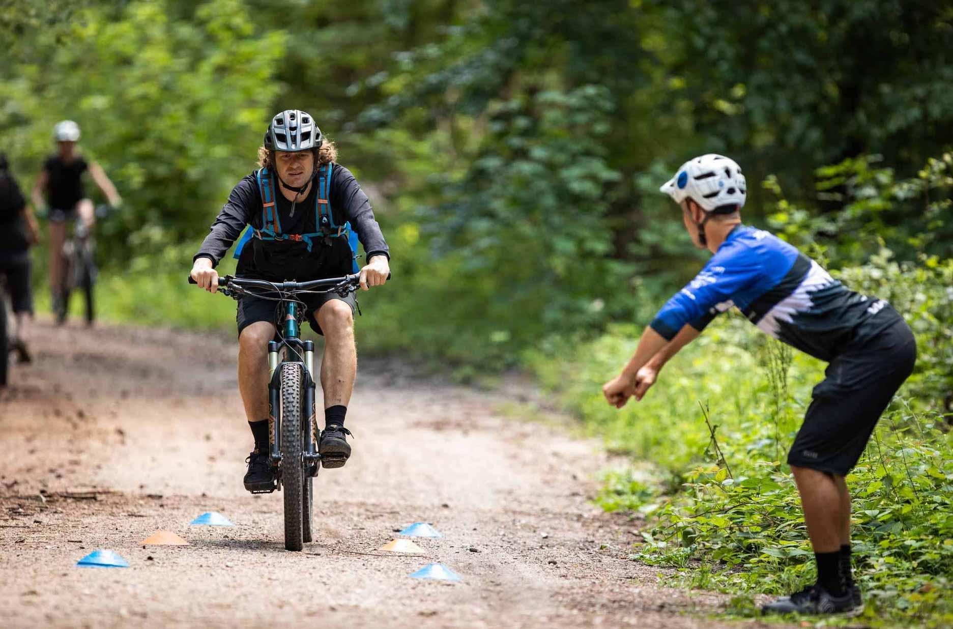 MTB Fahrtechnik Kurs für Einsteiger in Koblenz - Mountainbike Basic - Rock my Trail Bikeschule
