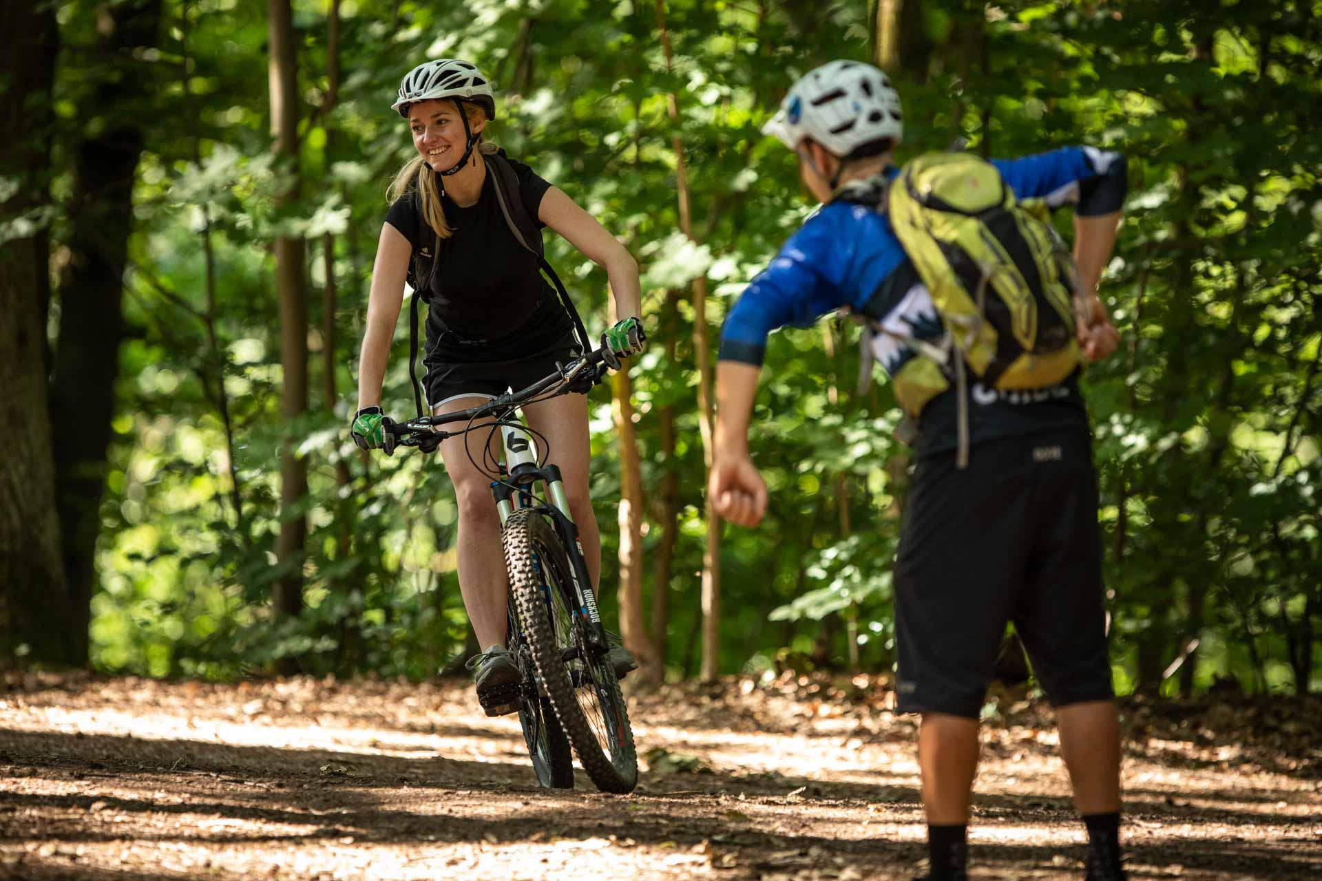 MTB Fahrtechnik Kurs für Einsteiger in Düsseldorf - Mountainbike Basic - Rock my Trail Bikeschule
