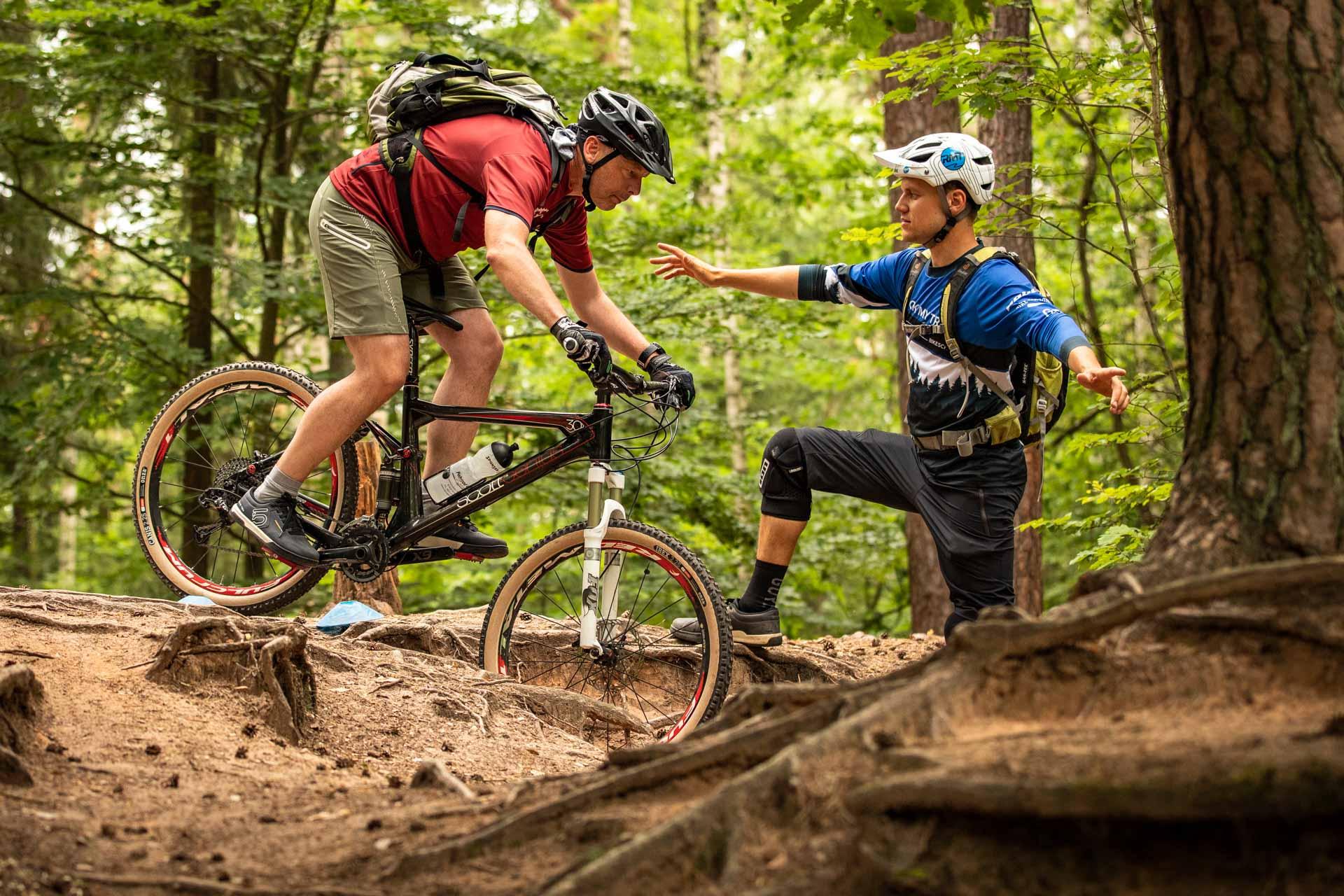 MTB Fahrtechnik Kurs für Einsteiger in Hamburg - Harburgerberge Norden - Mountainbike Basic - Rock my Trail Bikeschule