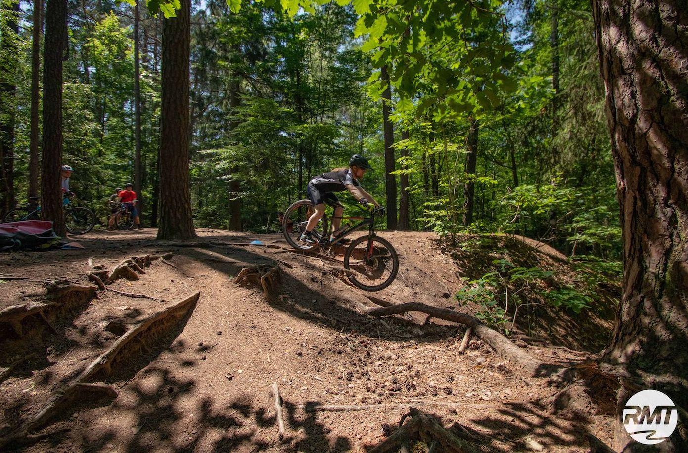 MTB Fahrtechnik Kurs für Einsteiger in Kassel - Mountainbike Basic - Rock my Trail Bikeschule - 4