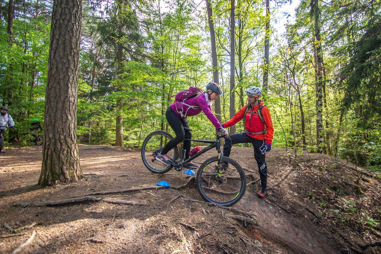MTB Fahrtechnik Kurs für Einsteiger in München - Mountainbike Basic - Rock my Trail Bikeschule
