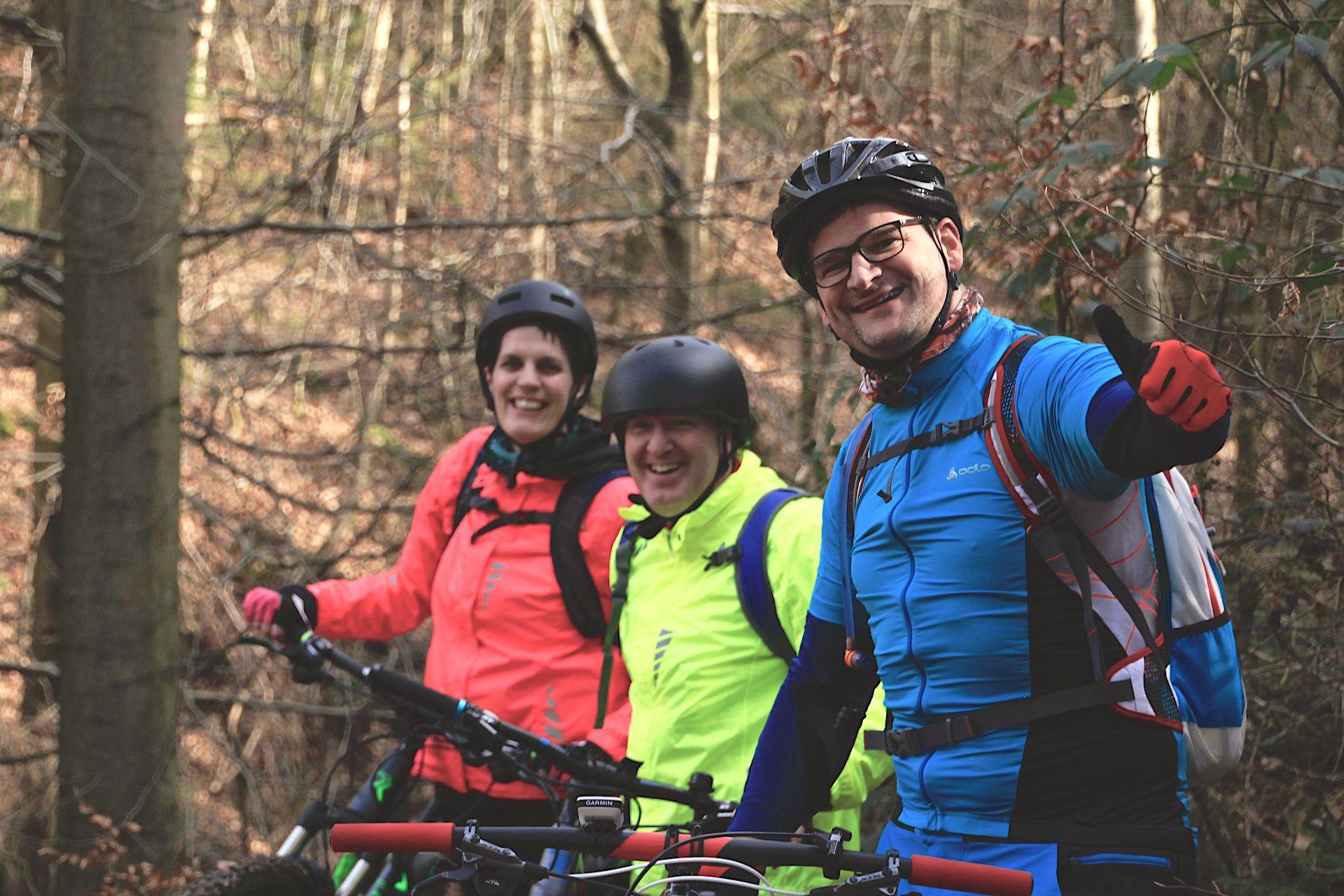 MTB Fahrtechnik Kurse Training Einsteiger Fortgeschritten Beginner Rock my Trail Bikeschule -