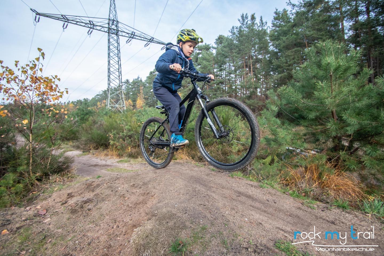 MTB Kinder Fortgeschritten Fahrtechnin Kurs Nürnberg - Rock my Trail Bikeschule 4