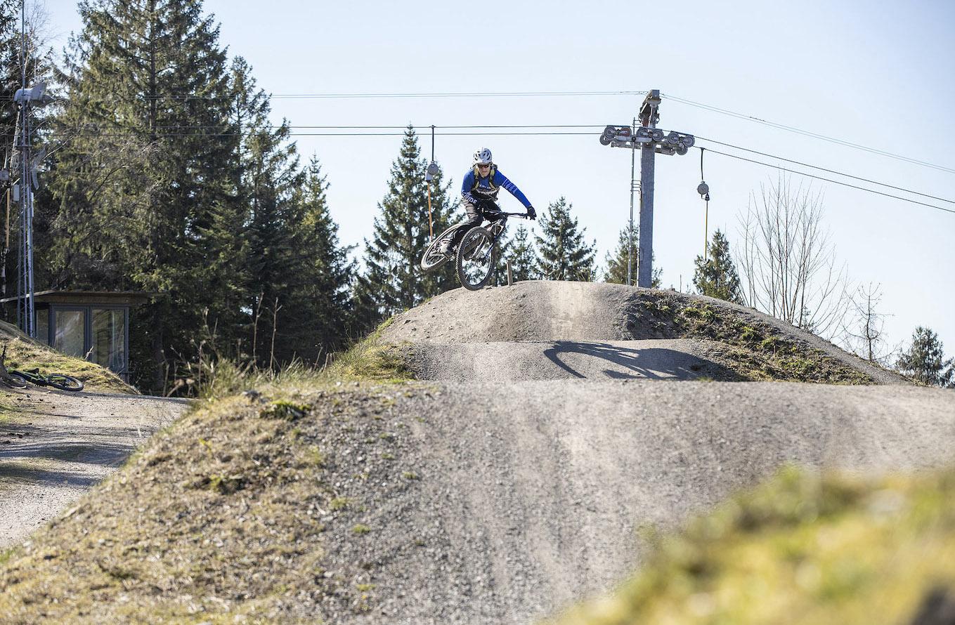 MTB Sprung & Drop Kurs im Bikepark Osternohe - Fahrtechnik Training Rock my Trail Bikeschule