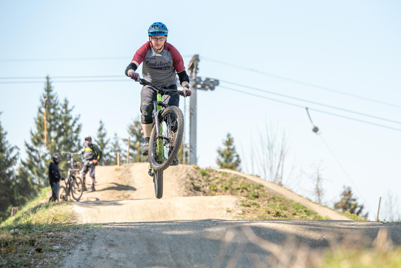 MTB Sprung & Drop Kurs in Olpe Sauerland - Fahrtechnik Training Rock my Trail Bikeschule