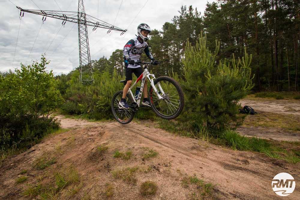 Mountainbike Kinder Kurs in Berlin - 8-12 Jahre Kids - Hauptstadt - Rock my Trail Fahrtechnik Bikeschule GmbH