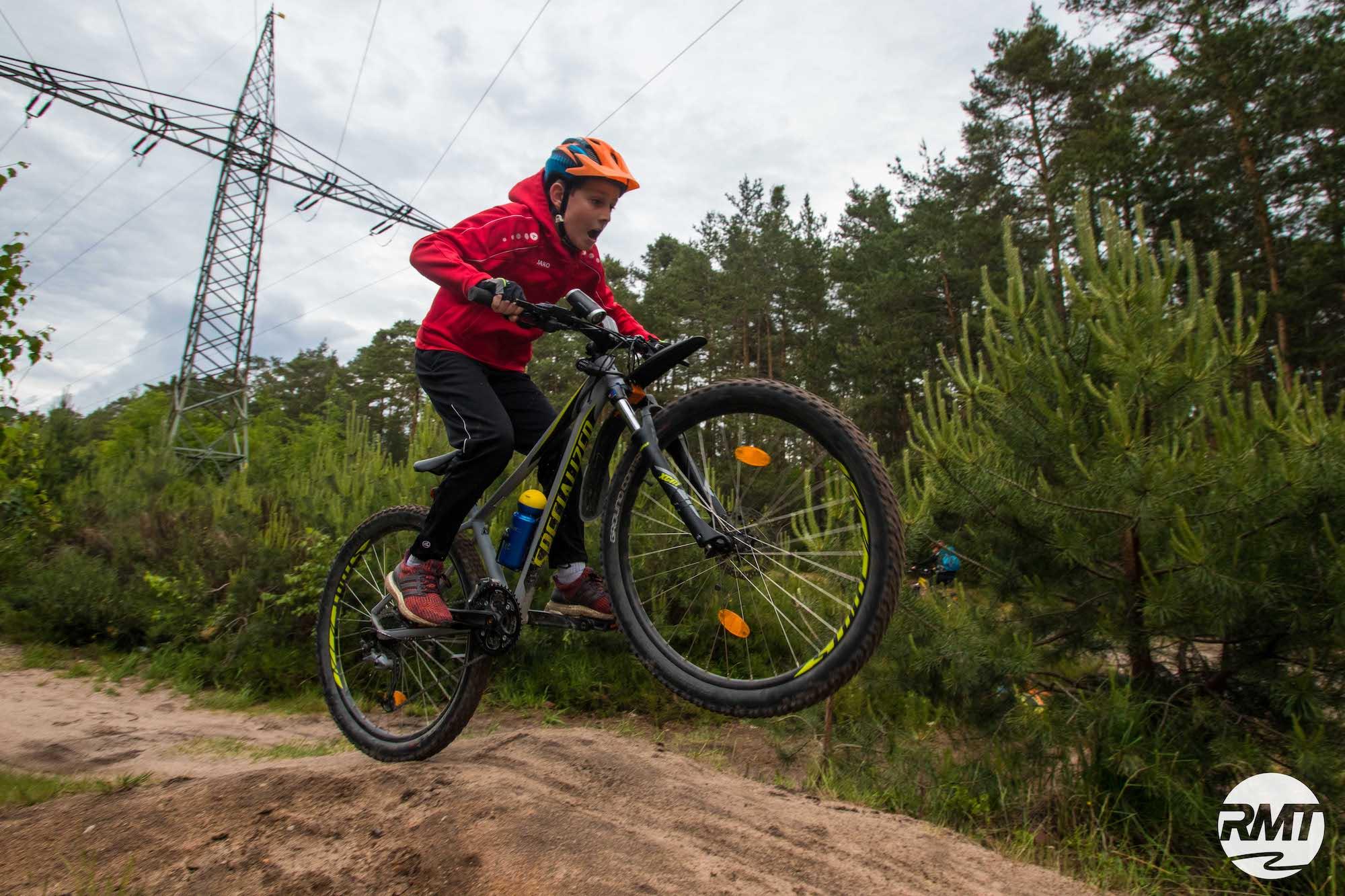 Mountainbike Kinder Kurs in Pforzheim - 8-12 Jahre Kids - Rock my Trail Fahrtechnik Bikeschule