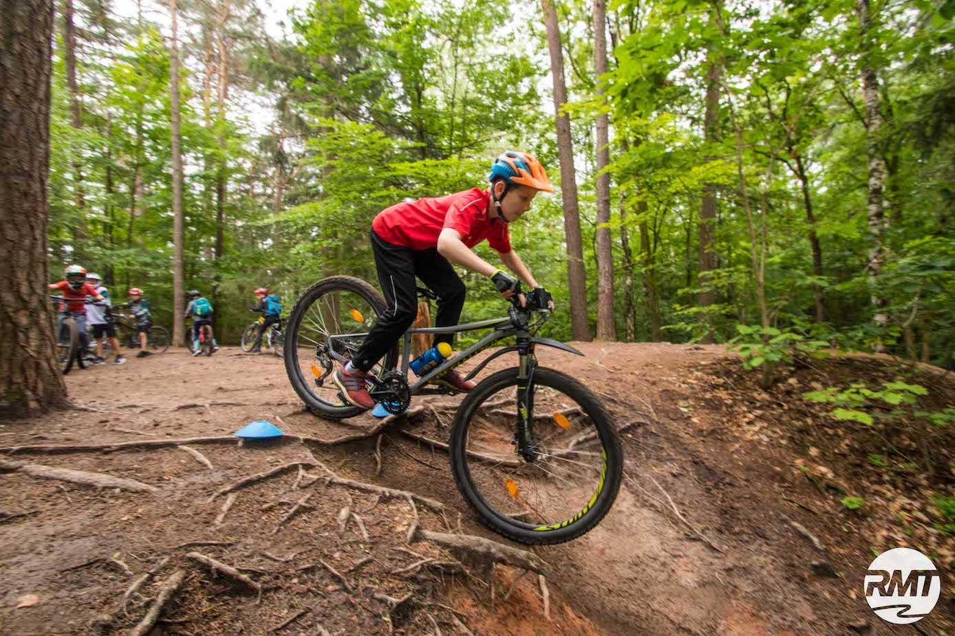 Mountainbike Kinder Kurs in Ravensburg - 8-12 Jahre Kids - Rock my Trail Fahrtechnik Bikeschule