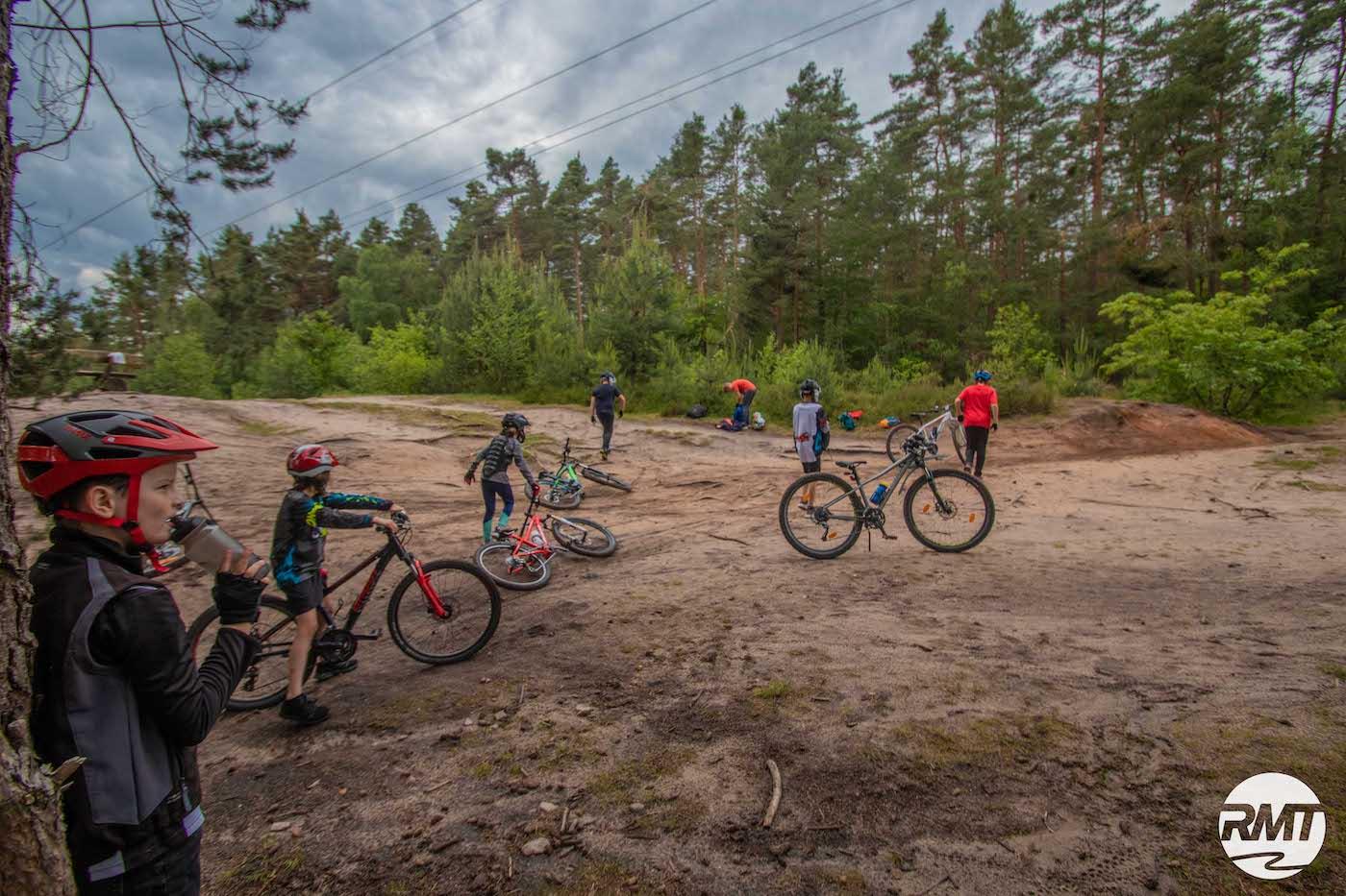 Mountainbike Kinder Kurs in Siegen - 8-12 Jahre Kids - Rock my Trail Fahrtechnik Bikeschule