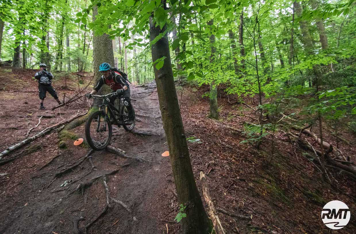 MTB Fahrtechnik Kurs für Einsteiger in Gummersbach |Wiehl - Mountainbike Basic - Rock my Trail Bikeschule