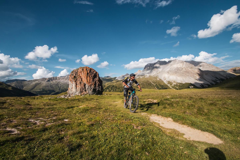 TransAlp-mit-vielen-Trails-Big-Mountain-AlpenCross-Rock-my-Trail-Bikeschule-1