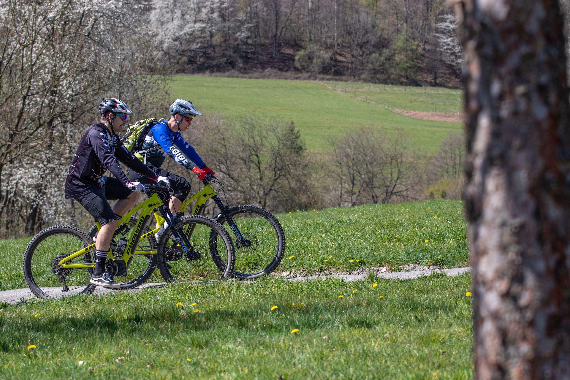 eBike Test Erlebnis eMountainbike fahren probieren Gummersbach NRW Trainer eMTB testen Rock my Trail Bikeschule 4
