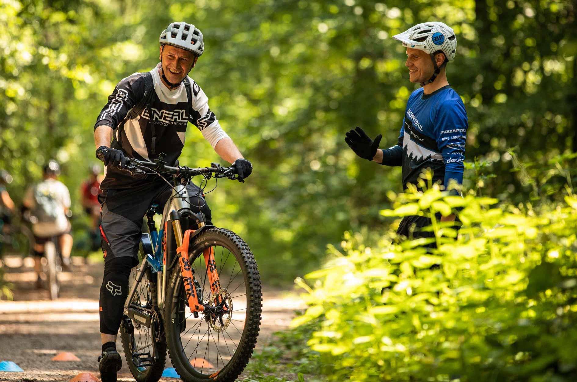 eMTB Fahrtechnik Kurs Einsteiger Moers - Halde Norddeutschland Ruhrgebiet - Fahrtechnik Training Rock my Trail Bikeschule GmbH