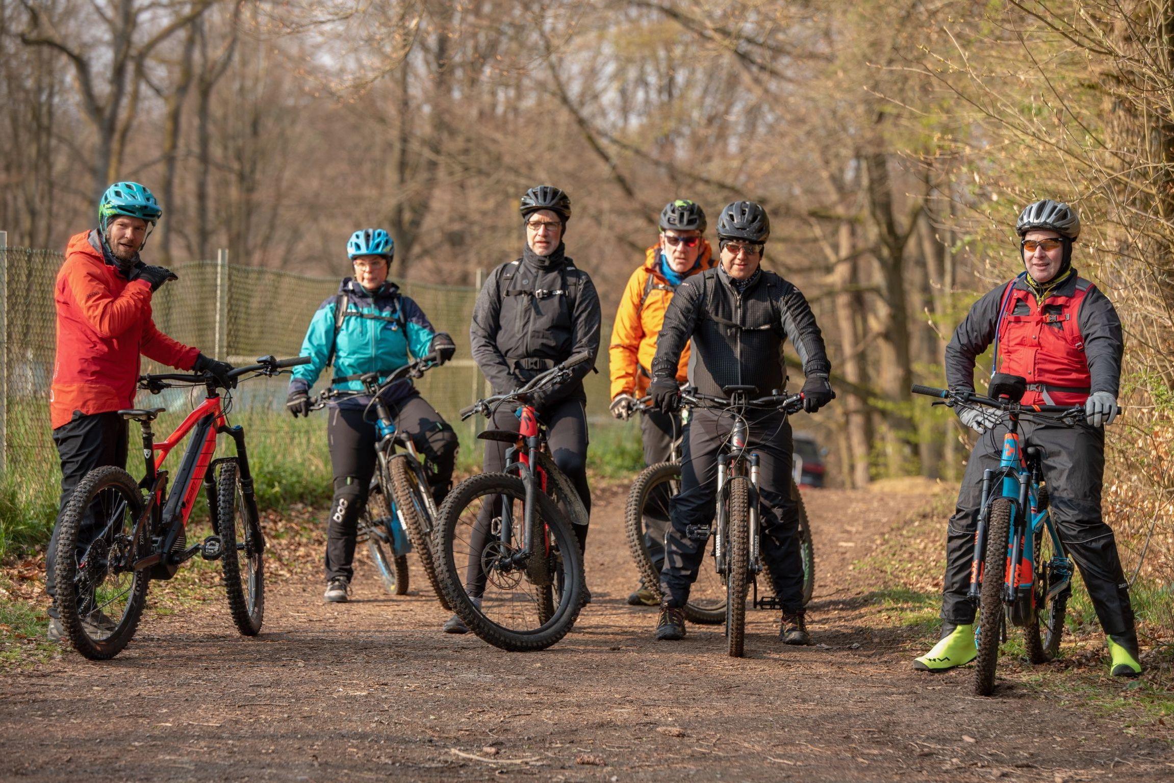eMTB Fahrtechnik Kurs für Einsteiger in Winterberg - Trailpark Sauerland - Rock my Trail Bikeschule