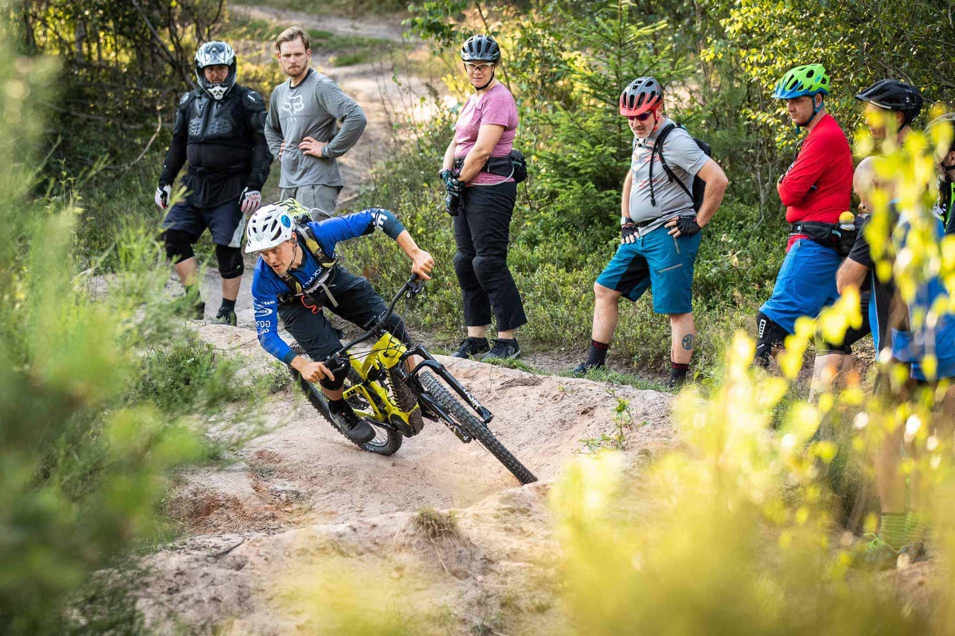 eMTB Fortgeschritten Fahrtechnik Kurs Witten |Ruhrgebiet - Mountainbike Training - Rock my Trail GmbH
