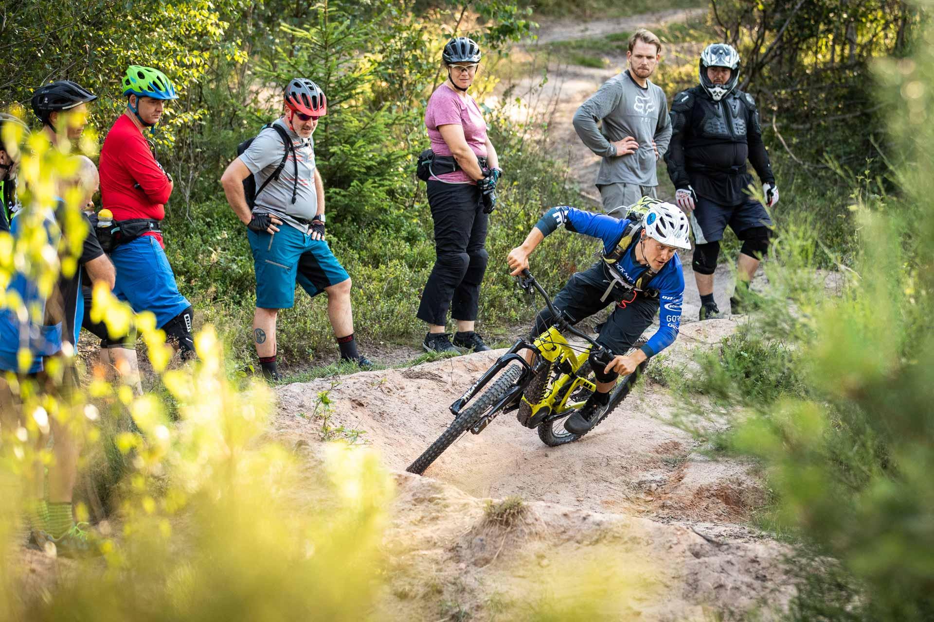 eMTB Fortgeschritten Fahrtechnik Kurs in Moers - Niederrhein Duisburg Ruhrgebiet - eBike- Rock my Trail Bikeschule GmbH