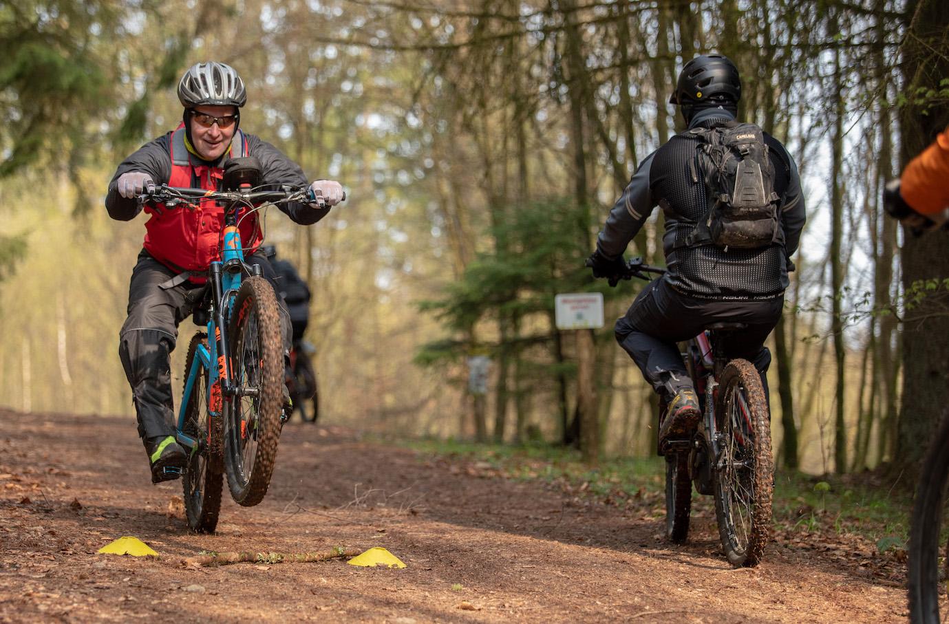 eMTB Fortgeschritten Fahrtechnik Kurs in Sasbachwalden - Rock my Trail Bikeschule