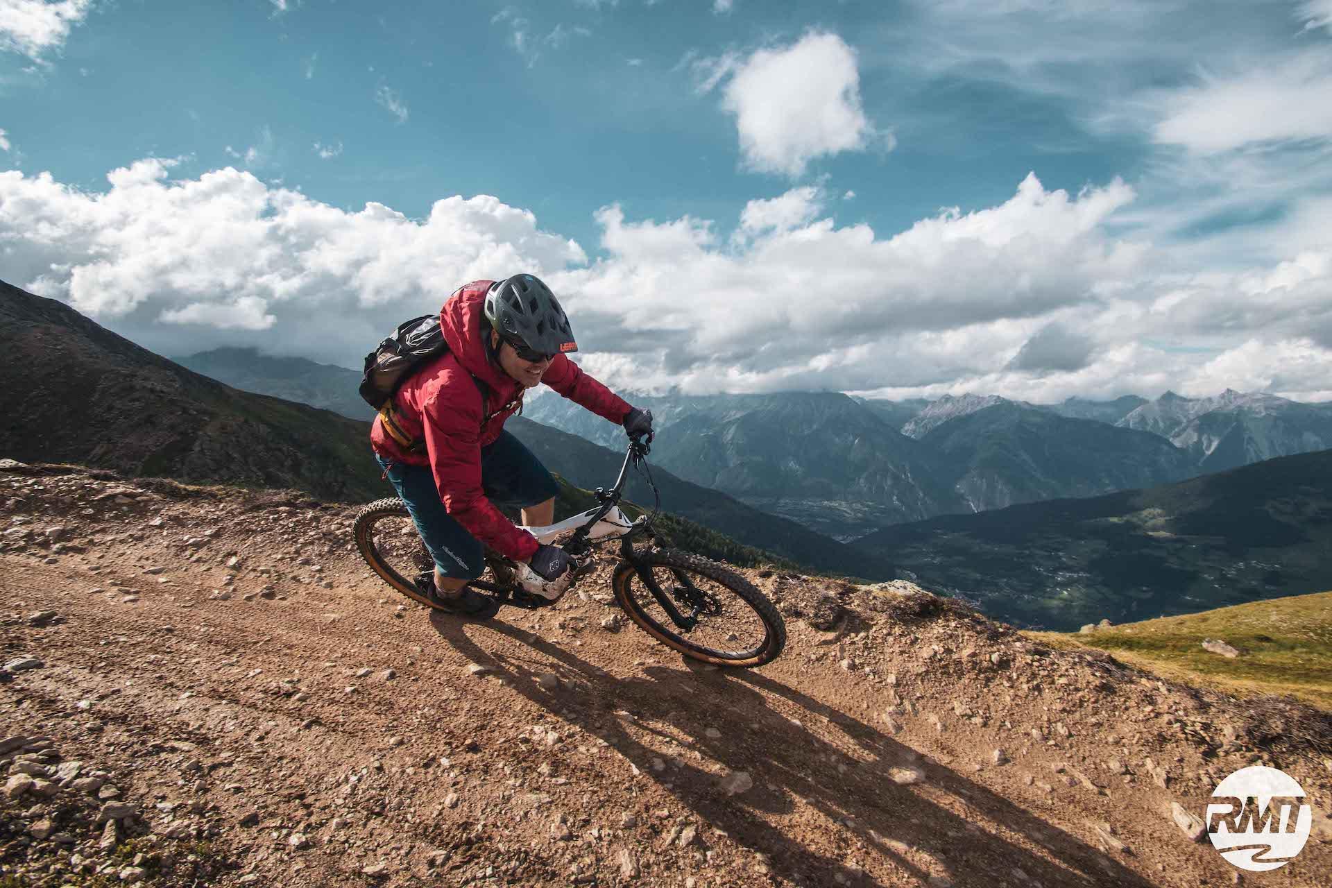 AlpenCross mit vielen Single-Trails TransAlp Route Klassiker Füssen Garmisch Riva Gardasee Rock my Trail 2 Level Tour