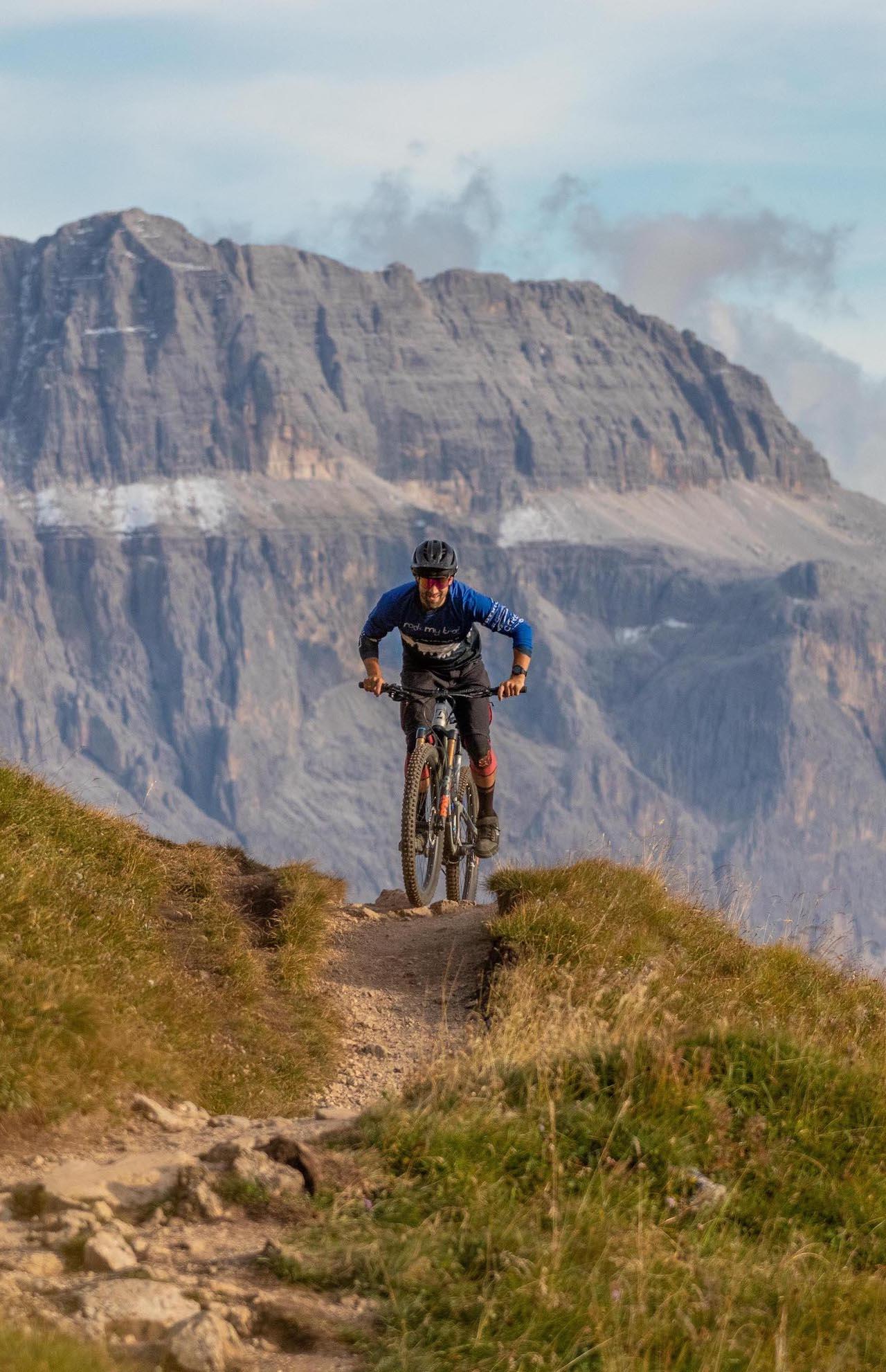 DolomitenCross auf Trails Dolomiten Runde Tour MTB TransAlp Rock my Trail Bikeschule -20