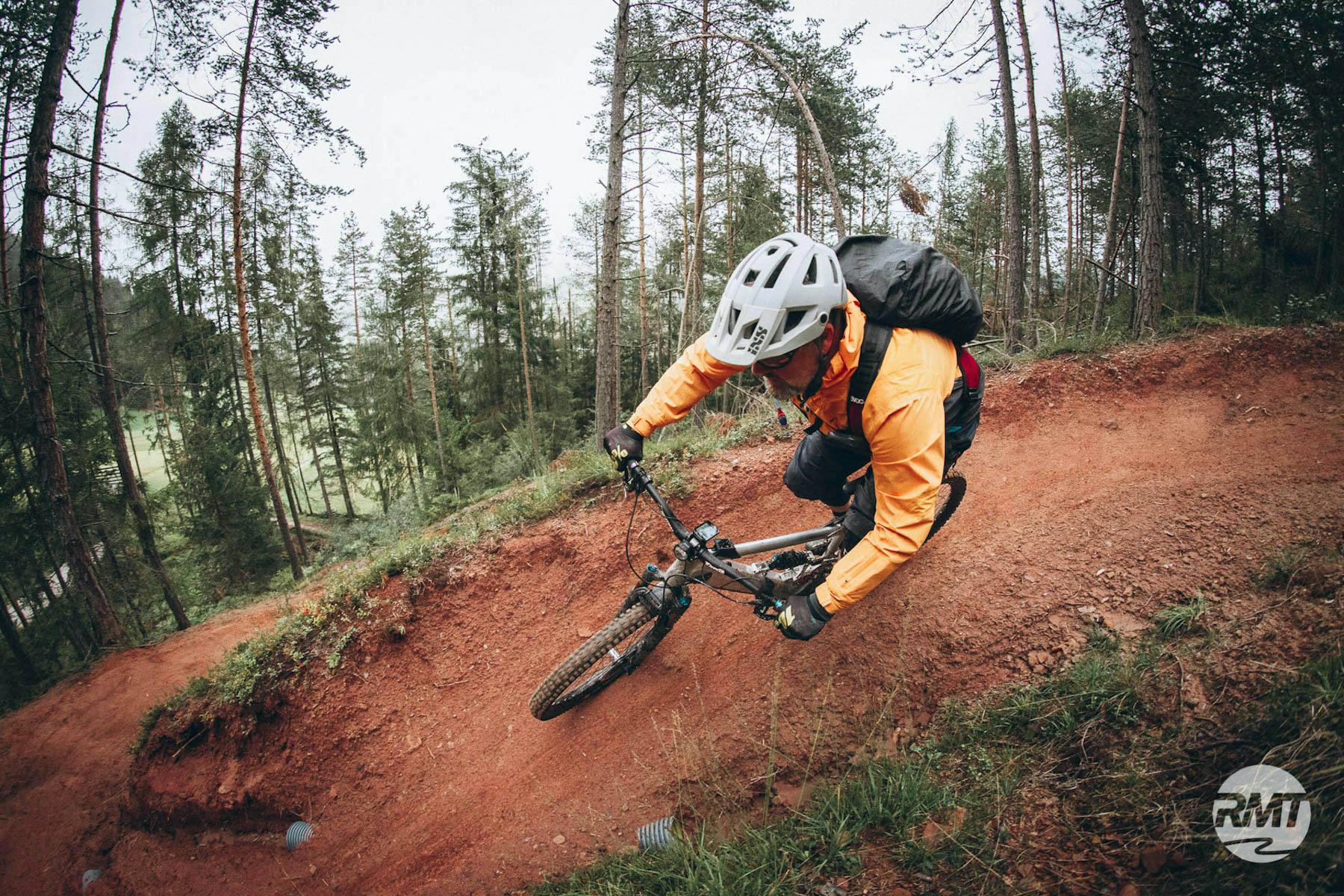 DolomitenCross auf Trails Dolomiten Runde Tour MTB TransAlp Rock my Trail Bikeschule