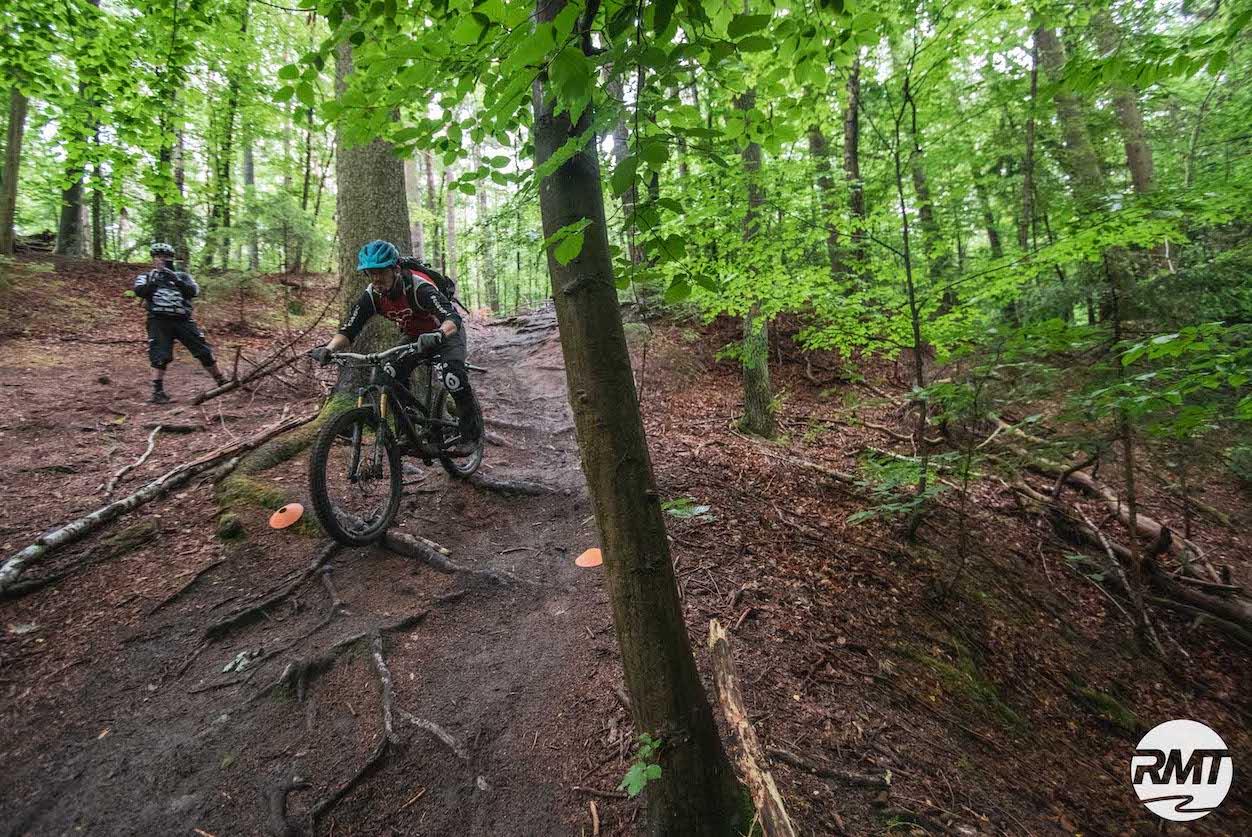 MTB Fahrtechnik Kurs Fortgeschrittene in Hamburg - Harburger Berge Norden - Mountainbike Fortgeschritten - Rock my Trail Bikeschule - 10