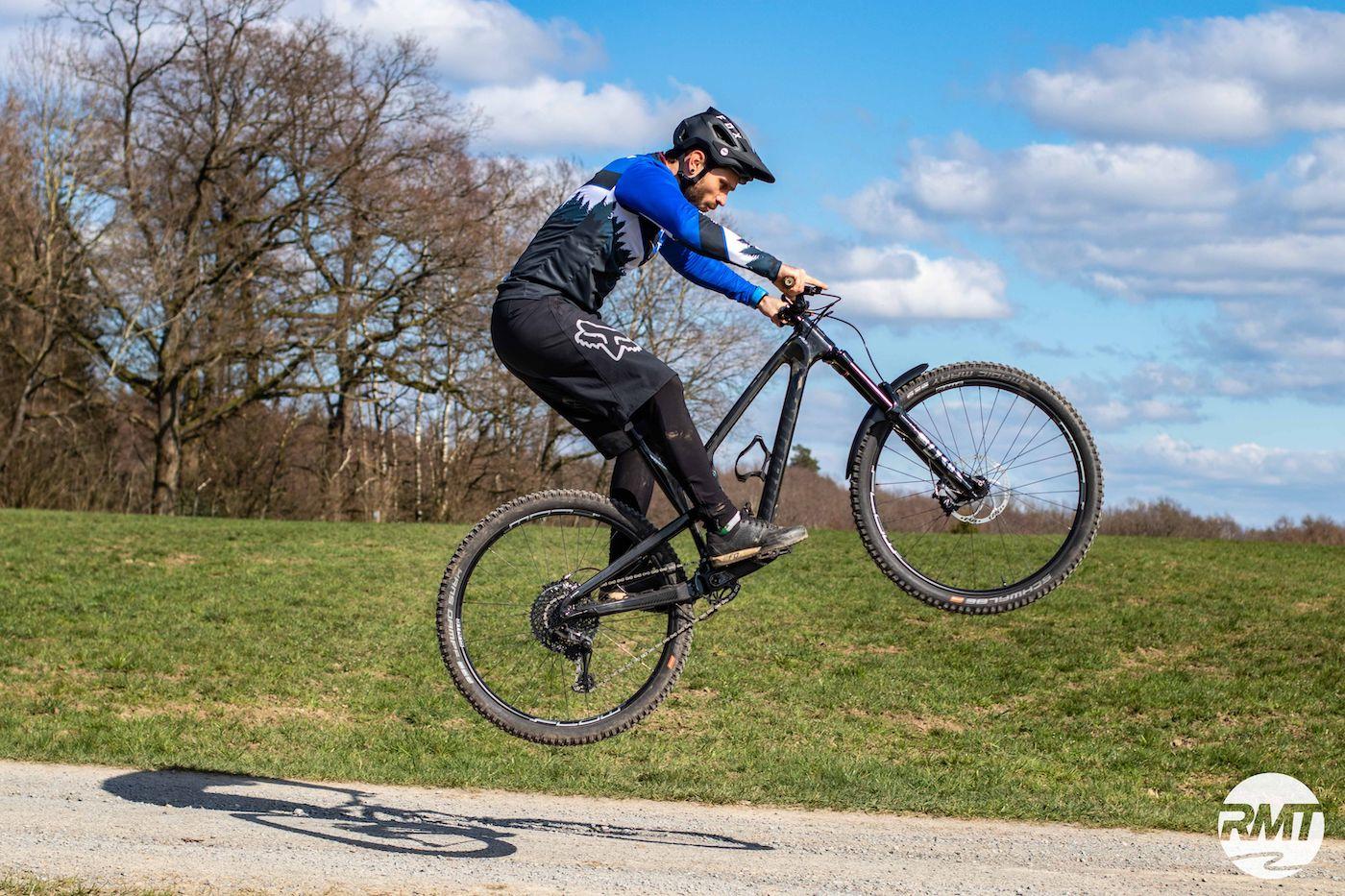 MTB Fahrtechnik Kurs Fortgeschrittene in Hamburg - Harburger Berge Norden - Mountainbike Fortgeschritten - Rock my Trail Bikeschule - 12