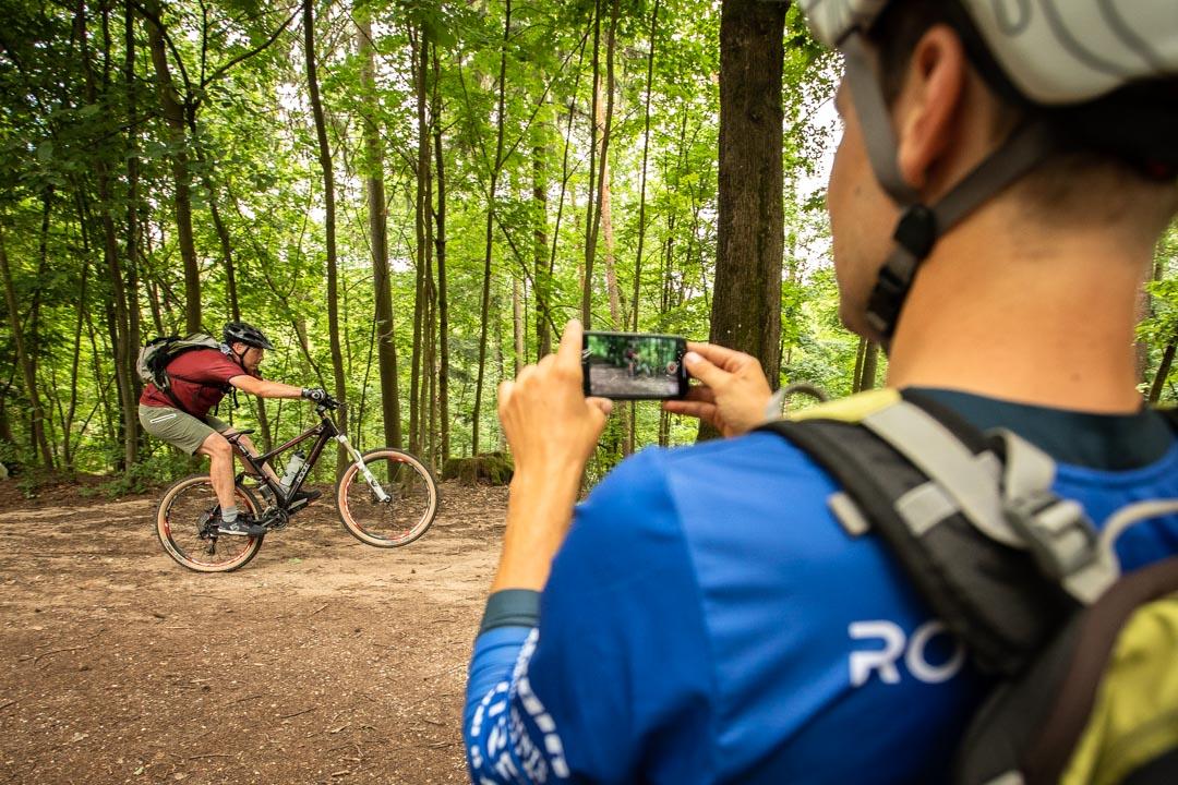 MTB Fahrtechnik Kurs Fortgeschrittene in Hamburg - Harburger Berge Norden - Mountainbike Fortgeschritten - Rock my Trail Bikeschule - 16