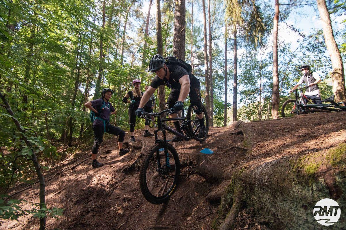 MTB Fahrtechnik Kurs Fortgeschrittene in Hamburg - Harburger Berge Norden - Mountainbike Fortgeschritten - Rock my Trail Bikeschule - 2