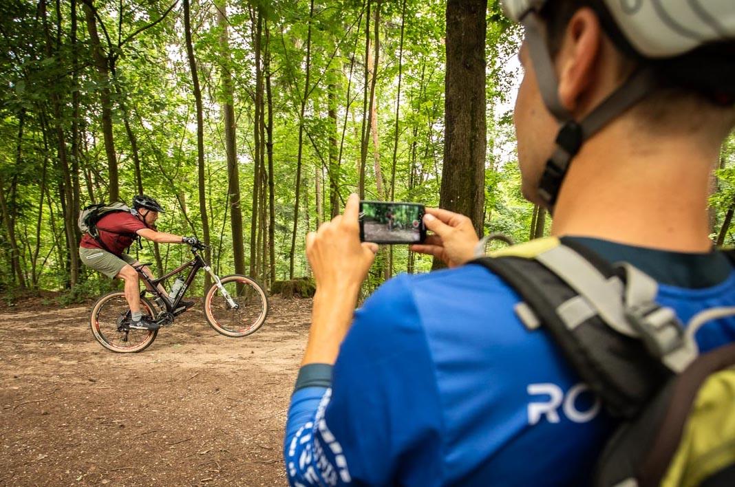 MTB Fahrtechnik Kurs Fortgeschrittene in Weiskirchen |Hochwald - Mountainbike Fortgeschritten - Rock my Trail Bikeschule