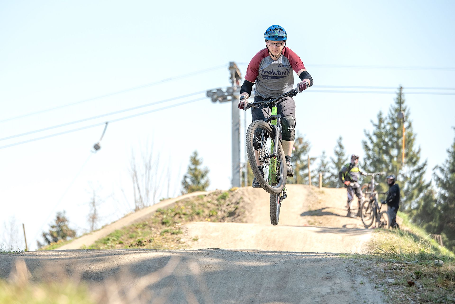 MTB Fahrtechnik Kurse im Trailpark Erbeskopf Hunsrück Sprung Kurse Training Rock my Trail Bikeschule