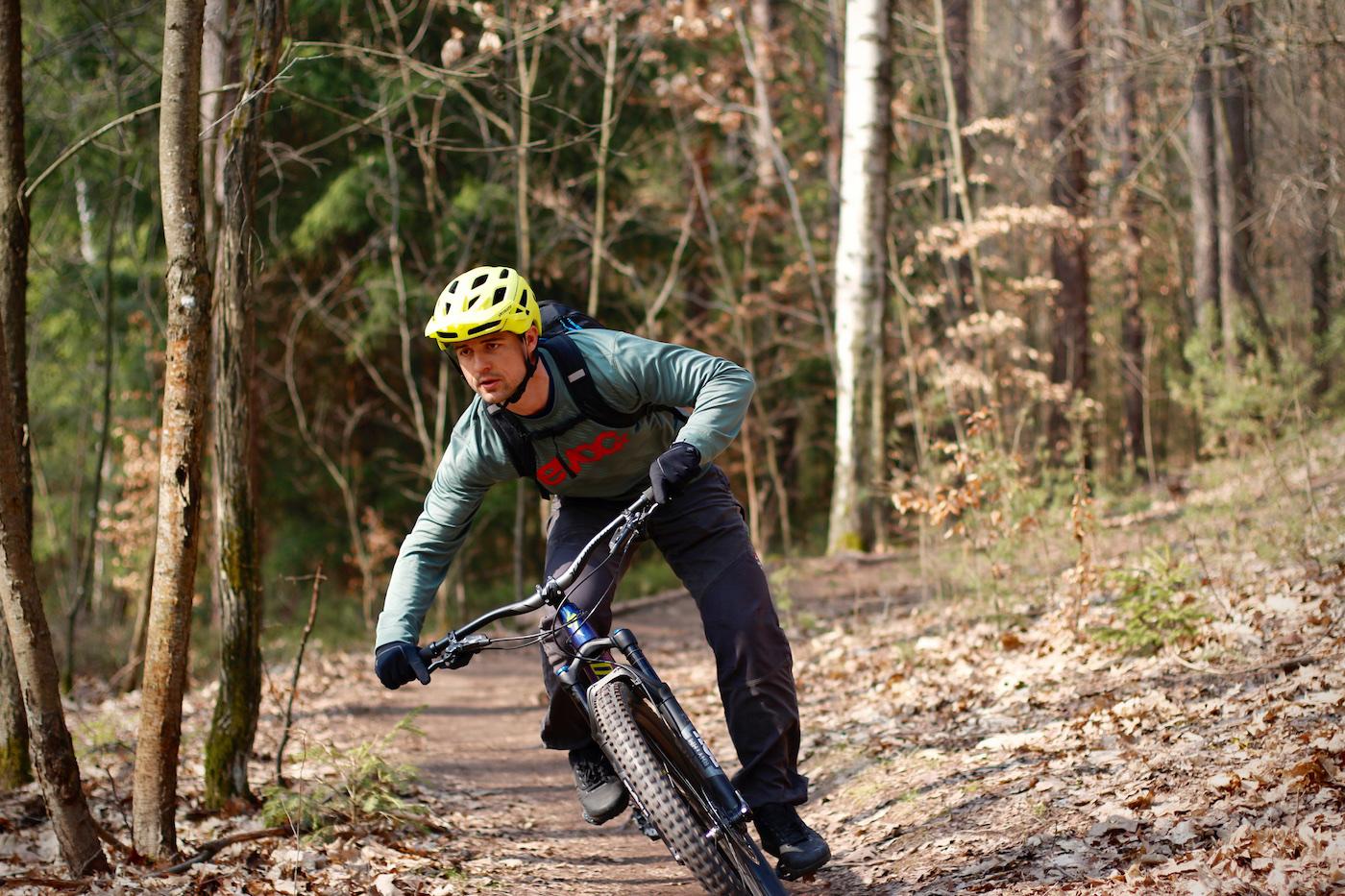 MTB Fahrtechnik Kurse in Leipzig Rock my Trail Bikeschule Training Einsteiger Fortgeschritten
