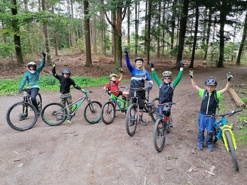 Mountainbike Kinder Kurs in München - 8-12 Jahre Kids - Rock my Trail Fahrtechnik Bikeschule