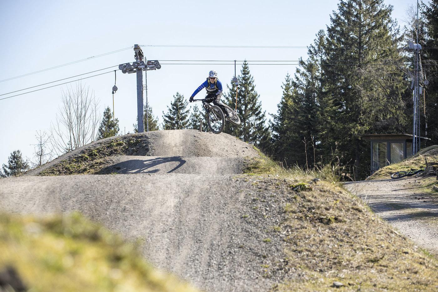 MTB Sprung & Drop Kurs im Trailpark Erbeskopf - Fahrtechnik Training Rock my Trail Bikeschule - 1