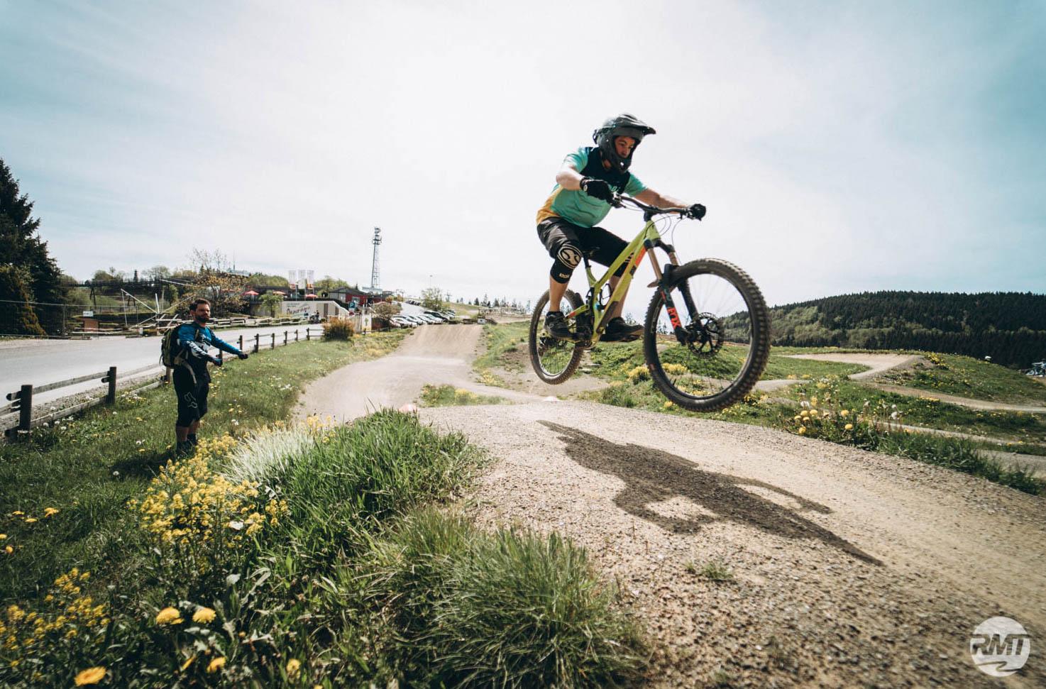 MTB Sprung & Drop Kurs im Trailpark Erbeskopf - Fahrtechnik Training Rock my Trail Bikeschule - 12
